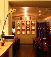 Zhing-Sam Restaurant