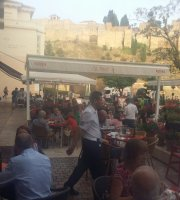 El Pimpi Cafe Bar