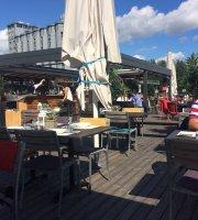 Bar Social Eating