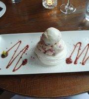 Mallyan Spout Hotel Restaurant