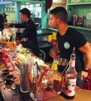 Area Oasis Bar
