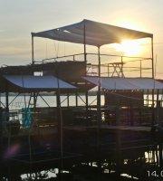 De Vong River Rest Stop - Riverside restaurant