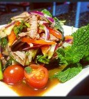 Ca Na Hathai Thai Restaurant