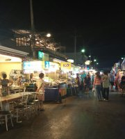 Food center Chatsila Night Market