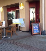 Cafe Bistro Leopold