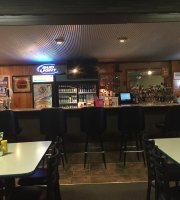 Chelle's Bar & Grill