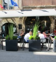 Le F2 Cafe Comptoir Coworking
