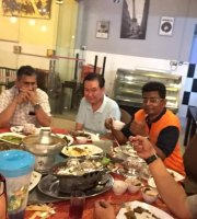 LILY THAI restaurant & cafe