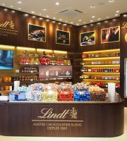 Lindt Chocolat Cafe Kobe Premium Outlet