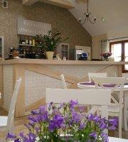 Dworek Holny Restaurant