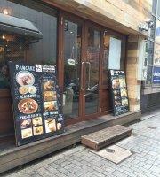 Hole Hole Diner Shinjuku East Entrance