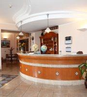 Hotel Ristorante Canada