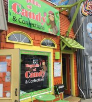 Newport Candy's Ice Cream Parlour
