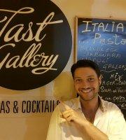 Tast Gallery