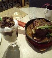 Le Grand Pokka Café