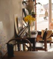 Myo Cafe