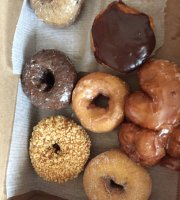 Jerry's Cakes & Donuts