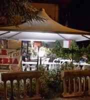 Bar Pizzeria T R I S