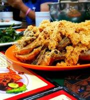 Ayam Goreng Mbok Berek Ny. Umi