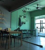 Hide & Seek Cafe