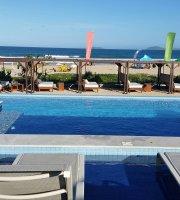 Uniq Beach Lounge