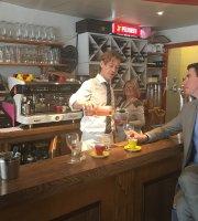 Café Bar 21