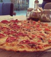 La Italia Pizzeria