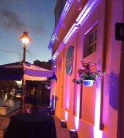 La Herencia Bar & Restaurant