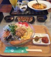 Dining Tatchi