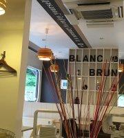 Cafe Blanc Blanc