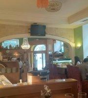 Lili Hu Kg Restaurant