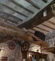 Pievetorina Saloon
