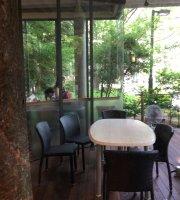 Uni. Cafe 125