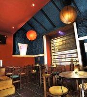 Cola de Gallo Cafe Club