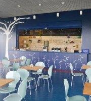 Das Flores Cafe & Wine