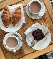 Le Cafe Montmartre