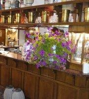 Ratuszowa, Restauracja