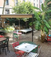 Cafe Poetique Le Jardin