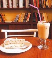 Il Futuro Book Cafe