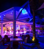Papagayo Beach Club
