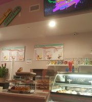 Yo'Licious Frozen Yogurt & Sweets