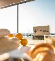 Tavolo in der YachtWelt Weiße Wiek