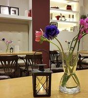 Punto&Coma Cafeteria-Ludoteca