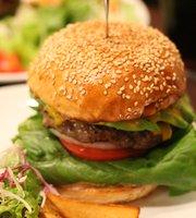 Waves Burger, Meieki Minami