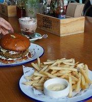 Shaky Isles Cafe