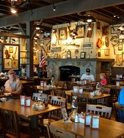 ‪Cracker Barrel Old Country Store‬
