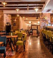 Kasa Grill & Bar