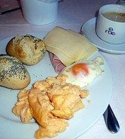 Roc Leo Hotel Restaurante buffet
