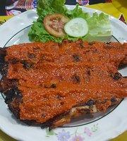 Ikan Bakar Djoni / Kun