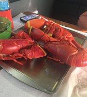 Beach Lobster & Farmstand